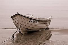 (floschn84) Tags: ostsee zempin usedom deutschland fischerboot strand 2018 märz