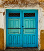 Puerta (MQZ Rota) Tags: calles casas hinojosadelcampo rustico soria madera puerta puertas doors decay cal azul blue