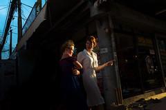 Siem Reap, Cambodia. August 2018 (Victor M. Perez) Tags: leicaq leica goldenhour streetphotography turist family southeastasia cambodia siemreap