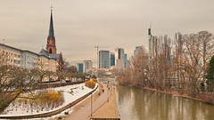 29 - Francfort Mars 2018, la neige fond (paspog) Tags: francfort frankfurt main mars march märz 2018 rivière fleuve fluss river tours towers