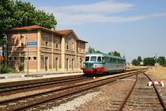 Ostellato (Paolo Brocchetti) Tags: paolobrocchetti aln772 ostellato canon eos300d rail bahn fp stazione