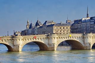 370 Paris en Février 2018 - le Pont Neuf et la Conciergerie