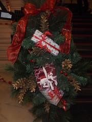 130 (en-ri) Tags: pacchetti addobbi natalizi rosso verde sony sonysti fiocco natale christmas pigne oro