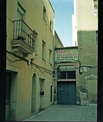 0256_30-01-2018_Fuji GS645S expired 02-2008 Kodak Portra 160VC_Barcelona_814 (nefotografas) Tags: fujigs645s expired 022008 kodakportra 160vc weekend trip barcelona catalunia analoguephotography istillusefilm istillshootonfilm