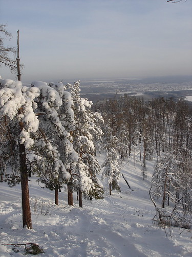 Спуск с горы Сугомак