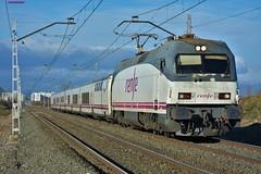 252 (firedmanager) Tags: renfe tren renfeoperadora railtransport train trena talgo trenhotel surexpreso ferrocarril