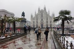 Neve a Milano (STE) Tags: milano milan inverno winter neve snow marzo 2018 palm plms palma palme piazza duomo freddo cold sony rx100m4