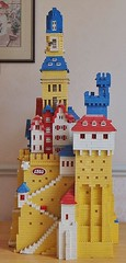 THIS IS NOT MY OWN MODEL. This castle now resides in the Mini Billund museum (GoodPlay2) Tags: lego vintage model glued shop pos retro original fort castle tower 375 60s early 1960s 60er