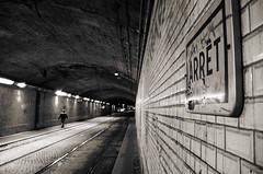 Arret (Atreides59) Tags: rhone rhône lyon perrache people urban urbain street tunnel black white bw blackandwhite noir blanc nb noiretblanc pentax k30 k 30 pentaxart atreides atreides59 cedriclafrance