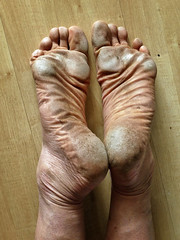 Calloused soles (Barefoot Adventurer) Tags: barefoot barefooting barefoothiking barefooter barefeet barefooted baresoles connected callousedsoles callouses livingleather leathersoles leathertoughsoles healthyfeet hardsoles wrinkledsoles toughsoles toes leather heelcracks arches strongfeet stainedsoles soles supplesoles arch artistic naturalsoles naturallytough roughsoles toepoint ruggedsoles