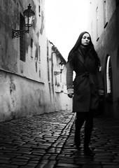LUCES DE BOHEMIA (oskarRLS) Tags: lights bohemia street mood blackandwhite monochrome monocromo blanconegro photographic girl