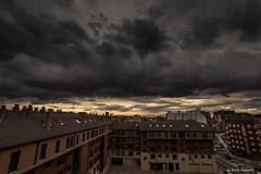 Tormenta (AvideCai) Tags: avidecai cielo ciudad nubes canon1635 atardecer paisaje león