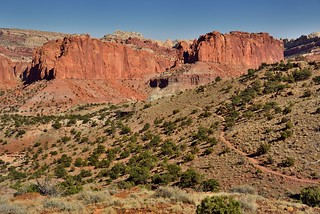 A Nature Trail Hiked and Some Amazing Views (Capitol Reef National Park)