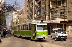 Einige modernisierte Düwag-Wagen haben eine leicht abgeänderte Front bekommen. Düwag-Wagen 805 an der Haltestelle El Rasafa (Frederik Buchleitner) Tags: 805 alexandria duewag düwag gt6 ks kopenhagen københavnssporveje linie18 misr sechsachser sporveje strasenbahn streetcar tram trambahn aliskandariyya ägypten الإسكندرية مصر