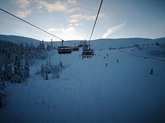 On the Toppekspressen chairlift (A. Wee) Tags: 特利西尔 trysil norway 挪威 skiresort 滑雪场 chairlift toppekspressen
