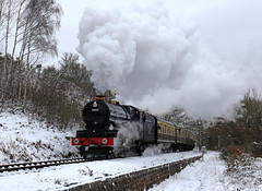 Blue King in the snow (Andrew Edkins) Tags: blueking 6023 kingedwardii northwoodlane preservedrailway geotagged canon severnvalleyrailway bewdley greatwestern gwr light worcestershire england uksteam snow tenburywall march 2018 spring steamtrain railwayphotography passenger travel trip
