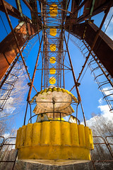 The sense of falling fast (MGness / urbexery.com) Tags: prypjat chernobyl ghosttown ukraine tschernobyl exclusion zone ghost town ferris wheel giant cold war abandoned abandone lost lostplace urbex urbanexplorer amusement park rollercoaster