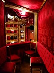 Signore e Signori, la Scala! #lascala #milano #milan #opera #italy #teatroallascala #music #travel #ballet #art #metopera #lascalaband #theatre #patagonia #duomodimilano #streetphotography #loves_milano #ig_milan #yallerslombardia #sansiro #architecture # (! . Angela Lobefaro . !) Tags: patagonia parcosempione architecture arcodellapace vivomilano sansiro music metopera art milano opera ballet lovesmilano milan navigli boscoverticale italy lascalaband teatroallascala volgolombardia streetphotography lascala yallerslombardia cimiteromonumentale theatre portavenezia igmilan streetphoto duomodimilano travel