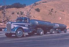 Kenworth: Kelly Trucking (PAcarhauler) Tags: truck semi tractor trailer kw grapeville