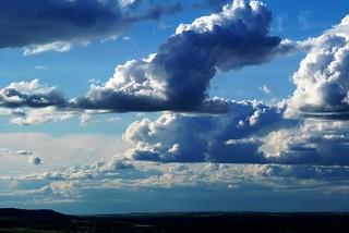 nubes de martes.