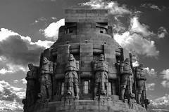 Völkerschlachtdenkmal Leipzig (ingrid eulenfan) Tags: leipzig völkerschlachtdenkmal schw blackandwhite himmel sky wolken sonyalpha6000 sonye55210mm sel55210 architektur gebäude museum geschichte sonye55210mmf4563 bw