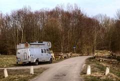 'Big Log' (Skylark92) Tags: nederland netherlands holland flevoland almere mercedes benz 407 diesel 407d custom camper van ffll58