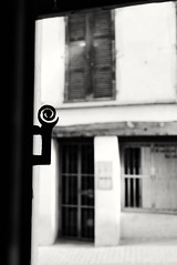 Eye (Anciuti) Tags: eyes door leicaq monochrome leica vienne biancoenero porta battente occhio