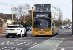 DSC_8966 Alexander Dennis Enviro 400 Hybrid (PeaTJay) Tags: nikon england uk gb royalberkshire reading winnersh british buses coaches dennis