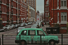 London (TheJennire) Tags: photography fotografia foto photo canon camera camara colours colores cores light luz young tumblr indie teen symmetry car street london england winter europe uk 2017 moment