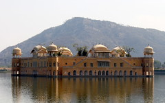 jaipur water palace (kexi) Tags: jaipur rajasthan india asia jalmahal waterpalace water palace old ancient lake rajput moghul view panorama canon february 2017 reflection instantfave