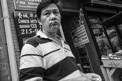 10th St. near Arch St., 2017 (Alan Barr) Tags: philadelphia 2017 10thstreet archstreet chinatown street sp streetphotography streetphoto blackandwhite bw blackwhite mono monochrome city candid people fujifilm fuji x70