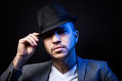 NADJIM 02 (isoman77) Tags: portraits studio backlight black fond noir chapeau modele homme flash bleue blue barbe portrait canon low 50 mm 500d softbox shooting yongnuo yn622c