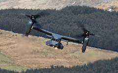 HOVER (Dafydd RJ Phillips) Tags: v22 osprey loop mach usaf united states air force mildenhall afb
