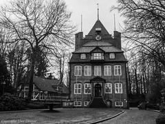 Cuxhaven Schloss Ritzebüttel B&W 032018 01 (U. Heinze) Tags: cuxhaven olympus blackwhite bw nordsee norddeutschland