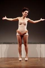 IMGP5118 (i'gore) Tags: montemurlo teatro fts salabanti fondazionetoscanaspettacolo donna donne libertà felicità ritapelusio satira ironia marcorampoldi pemhabitatteatrali