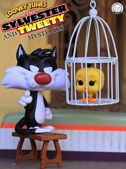 """I tawt I taw a puddy tat!"" - Tweety (PrinceMatiyo) Tags: popvinyl toyphotography funko looneytunes sylvester tweetybird"