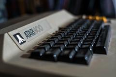 1979 Atari 800 (::nicolas ferrand simonnot::) Tags: nikon nikkor 35 mm f 14 1977   9 blades iris paris 2018 streetphotography street photography bokeh depth field fixed length prime manual classic japanese lens noir et blanc intérieur personnes profondeur de champ atari800 atari 800