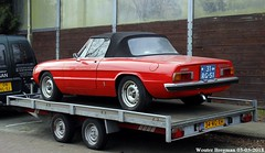Alfa Romeo Spider 2000 Spider Veloce 1977 (XBXG) Tags: 31rg51 alfa romeo spider 2000 veloce 1977 alfaromeospider alfaromeo ar cabriolet cabrio convertible roadster tourer red rood rouge rijksweg santpoort noord santpoortnoord trailer remorque aanhanger nederland holland netherlands paysbas vintage old classic italian car auto automobile voiture ancienne italienne italie italia italy vehicle outdoor