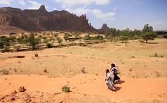Women near Gera'alta, Tigray, Ethiopia (woutermaes) Tags: ethiopia landscape tigray