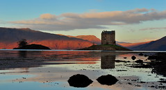 Dawn stalker (images@twiston) Tags: stalkingthedawn castle stalker lochlaich lochlinnhe appin imagestwiston loch morvern argyle argyleandbute shuna island islet sea dawn firstlight oban seascape clouds reflections morning blue sky highlands islands scotland glen hill hills mountains schottland caledonia ecosse escoia alba scottishhighlands pink