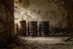 eins, zwei, drei (Foto_Fix_Automat) Tags: lostplace marode urbex urbanexploring explore abandonedplaces verlassene orte indoor