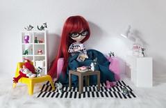 Cozy / Acogedor (Pullip Asuka) (Zatannilla) Tags: doll dolly dollyole dolls pullip pullips pretty planning asuka kekas nenas glasses muñecas toys toy