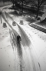 (Hugo Bernatas) Tags: olympus xa2 blackandwhite analog delta 3200 ilford street light bike snow