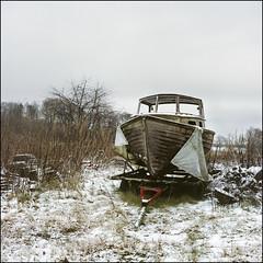 Freezing Loneliness – Fuji Pro 800Z (magnus.joensson) Tags: sweden swedish skåne winter snow december c41 grain rolleiflex 35 zeiss 75mm tessar fuji pro 800z expired 6x6 exp2011 boat