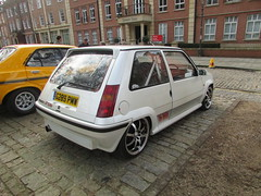 Renault 5 GT Turbo G289PMW (Andrew 2.8i) Tags: queen queens square bristol breakfast club show meet car cars classic classics supercinq french hot hatch hatchback 2 ii phase turbo gt 5 renault