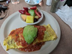 March 12: Omelet (earthdog) Tags: 2018 food meal edible plate fruit omelet billscafe lunch restaurant project365 googlepixel pixel androidapp moblog cameraphone 3652018