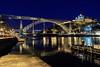 Noche sobre el Duero (Andrés Guerrero) Tags: bridge douro duero europa europe fotografíanocturna nightphotography nightscape noche nocturna oporto porto portugal puentedonluisi puenteluisi ribera river río luces lights reflejo