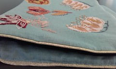 Embroidered pouch (Lea et le chat Malo) Tags: broderie embroidery artesane applique miyuki delicas