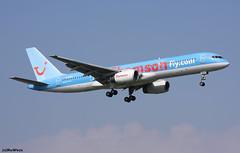 Thomson Airways Boeing 757-204 G-BYAO / GVA (RuWe71) Tags: thomsonairways thomsonfly bytom thomson boeing boeing757 b757 b752 b757204 b757200 boeing757200 boeing757204 gbyao ericmorecambe genevaairport genevacointrinairport genevacointrin genèvecointrin aéroport de aéroportdegenève aéroportdegenèvecointrin gva lsgg twinjet landing