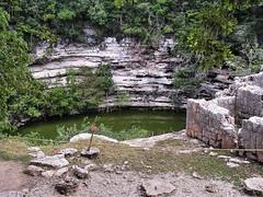 Cenote Sagrado (Orange Attitude) Tags: cenote maya chichenitza yucatan site history travel mexico messico water lake green jump acqua ruins